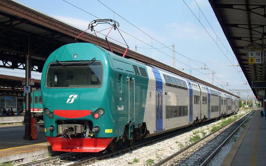 A maggio scatta il bonus gratuito per gli abbonati ai treni